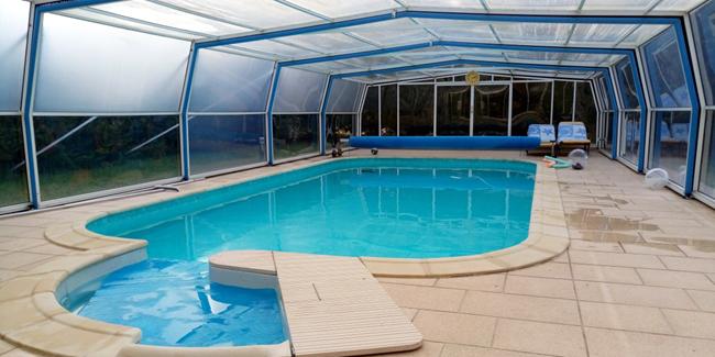 Abri de piscine : explications, quel est le coût de pose d'un abri ?
