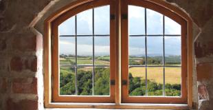 Fenêtre bois : explications, quel est le prix de pose de fenêtres ossature bois ?