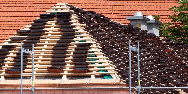 Devis rénovation de toiture : chiffrez le coût des travaux