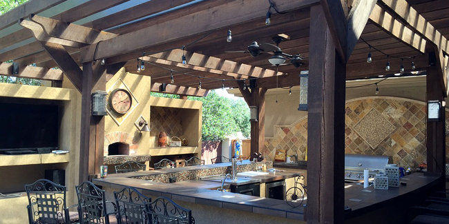 Construire sa cuisine d'été extérieure : conseils et coûts